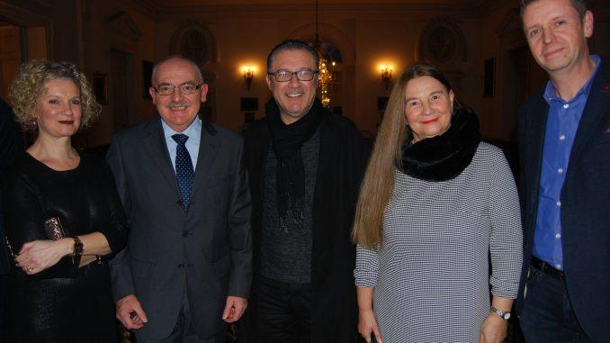 V.l.n.r. Stevens echtgenote, Mauro Rota, Gabriele Pellegrini, Silvana Scandella. Fotograaf: Dirk Michiels.