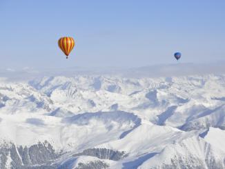 Ballonvaren boven de Dolomieten