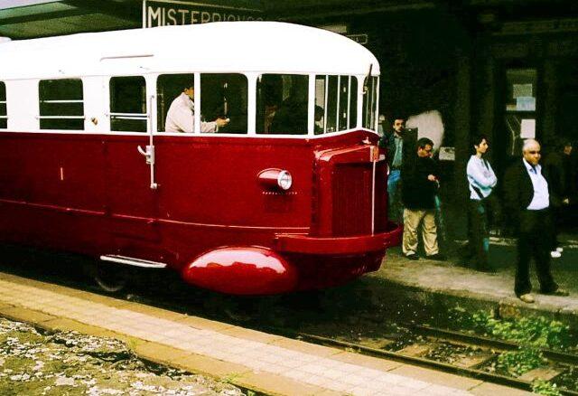 De Fiat trein uit de jaren '30 voor de Circumetnea