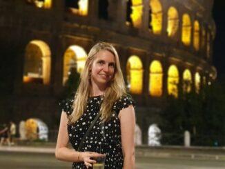 Desiree aan het Colosseum