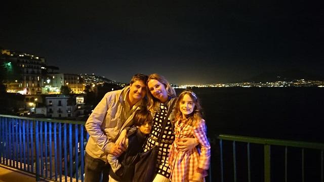 Het gezin van Iris in Posilipo