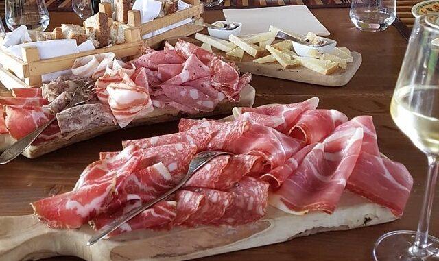 Lekkere antipasti bij Osteria Caccia Al Piano