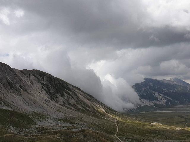 Lopen tussen de wolken