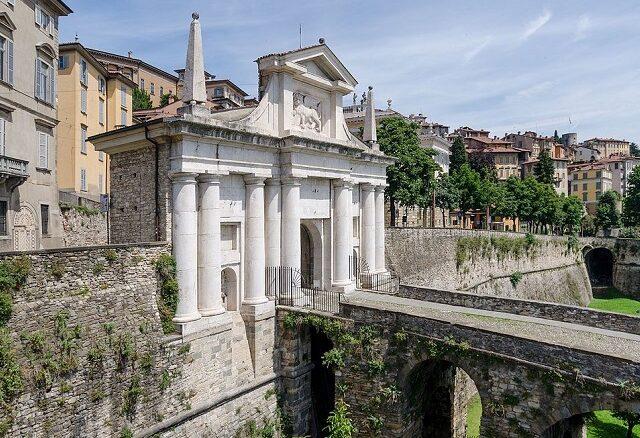 Porta San Giacomo, Bergamo